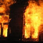 В Миколаєві до тла згорів будинок