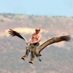"""Фотофакт: В рамках проекту порятунку рідкісного виду журавлів """"Політ надії"""" Володимир Путін увійшов у роль альфа-самця і осідлав самицю журавля-стерха"""
