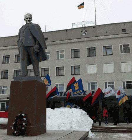 Пам'ятник Володимиру Литвину