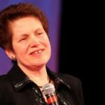 """Під час """"Діалогу з країною"""" Людмила Янукович не змогла задати питання чоловіку"""