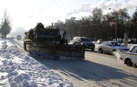 «Укравтодор» запевняє, що сніг залатав 98% доріг