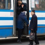 В Полтаві пенсіонери побили студента за те, що той не поступився місцем в тролейбусі