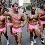 За участь у гей-параді пропонують по 100 гривень