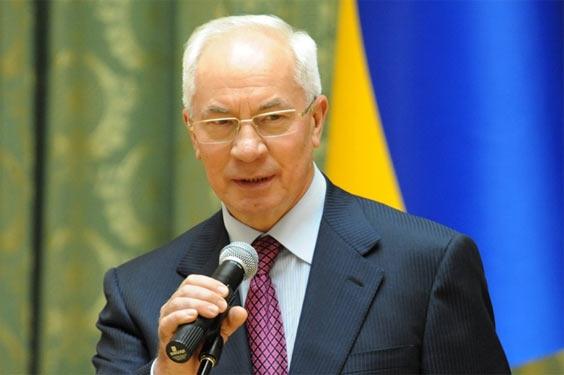 Микола Азаров в караоке