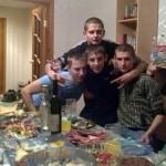 Фотофакт: Українська молодь святкує 66 річницю з дня народження Арнольда Шварценеггера