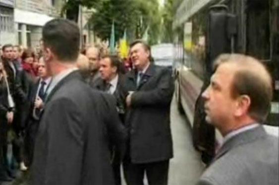 Замах на Віктора Януковича