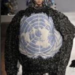 Фотофакт: Перед виступом на Генасамблеї ООН Віктор Янукович подарував генеральному секретарю організації Пан Гі Муну светр, який зв'язала Людмила Янукович