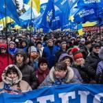Після того, як активістам у Маріїнському парку не виплатили грошей, на Антимайдан вийшли рекордні 50 тисяч людей