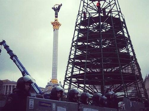 Ялинка на Євромайдані