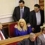 Фотофакт: Депутат Партії регіонів Таїсія Повалій підтримала Євромайдан