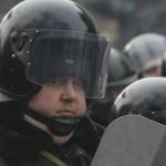 """Фотофакт: У зв'язку з нестачею бійців ВВ та """"Беркуту"""" на Грушевського виставляють ДАІшників"""