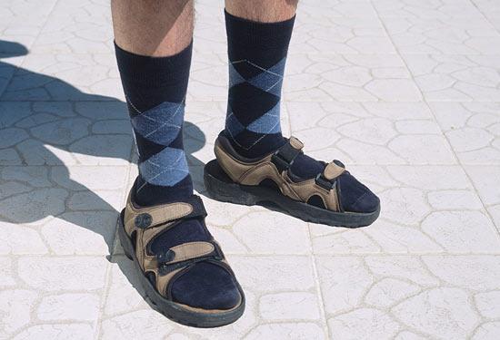 Сандалі і шкарпетки