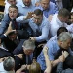 """Через розпуск КПУ саморозпуститься ВО """"Свобода"""": нема кого більше на гілляку садити"""