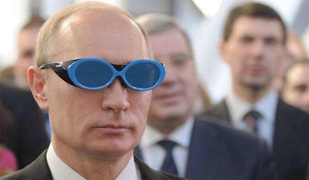Володимир Путін в блакитних окулярах