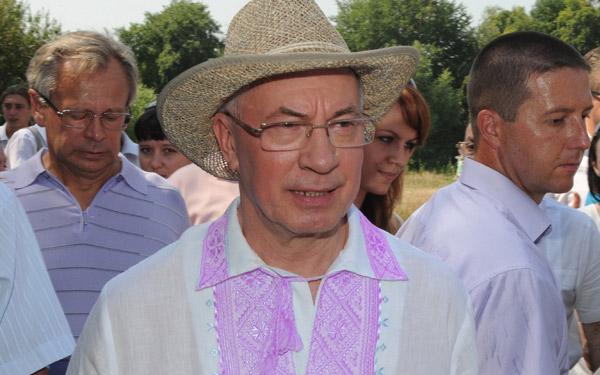 Микола Азаров у вишиванці