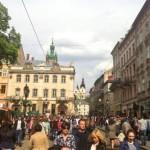 Фотофакт: 1 травня у Львові комуністи хотіли пройти ходою, але не змогли обійти перехожих