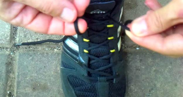 Шнурівка на взутті