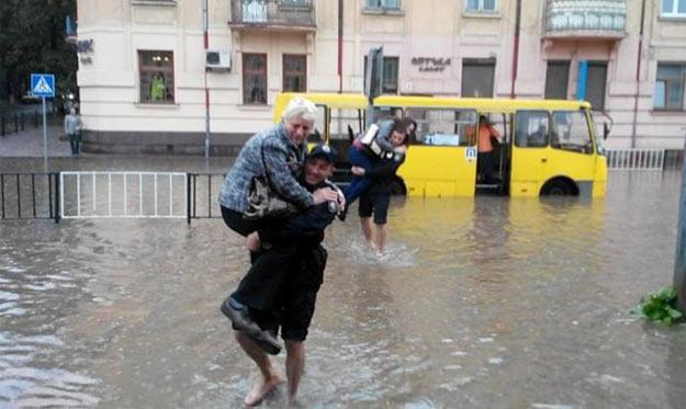 Дощ у Львові